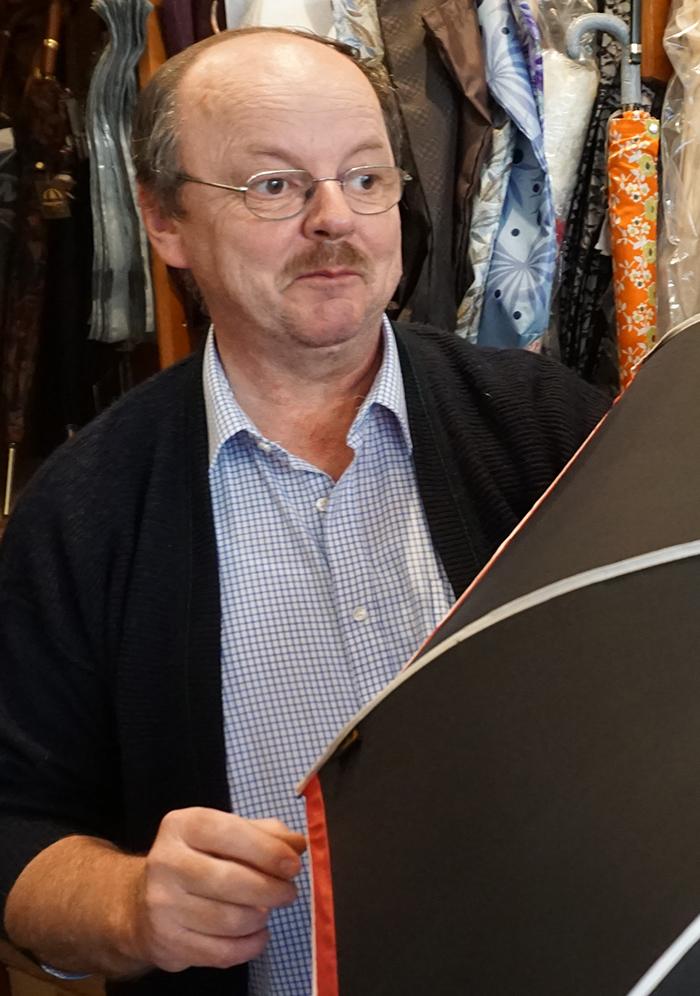 Der Schirmmacher Rolf Lippke